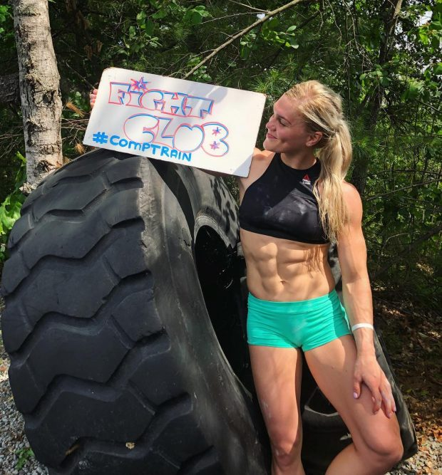 #GirlsWhoLift – Instagram's Top 10 Female Bodybuilders and Powerlifters