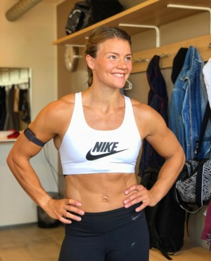 fit_muscle_girl8