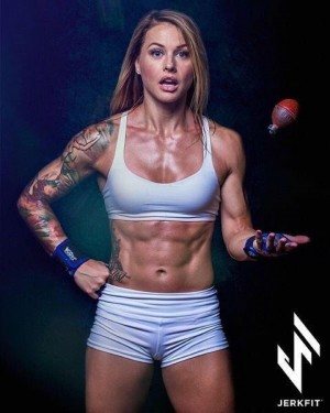 fit_muscle_girl9